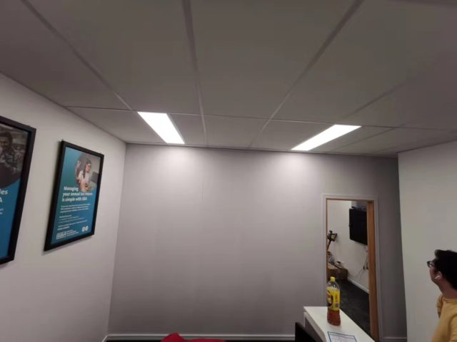 https://www.moderntopintegratedwall.com/wp-content/uploads/2021/02/office-isolation-done-640x480.jpg